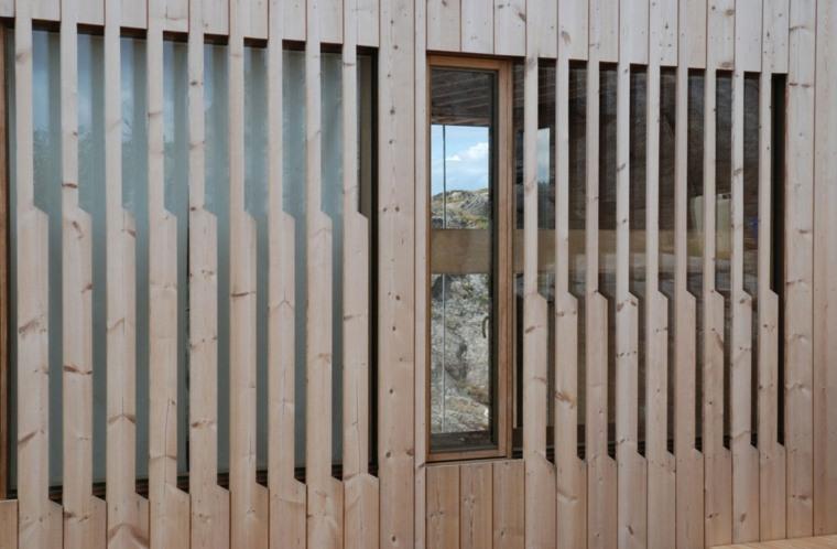 fachada listones madera natural pino