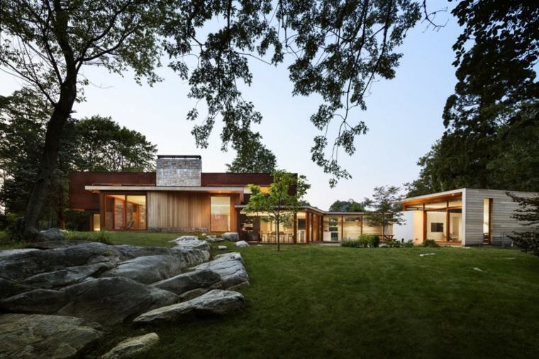 fachada casa diseñada Joeb Moore & Partners