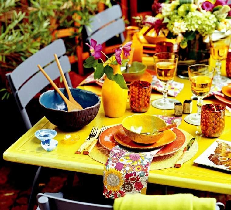 fiestas al aire libre opciones vajilla colorida ideas