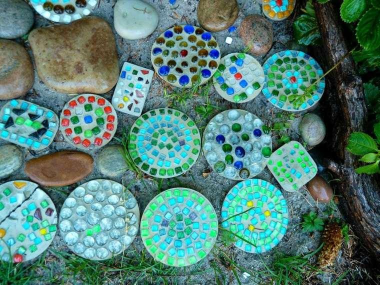 figuras cemento decoradas cristales colores