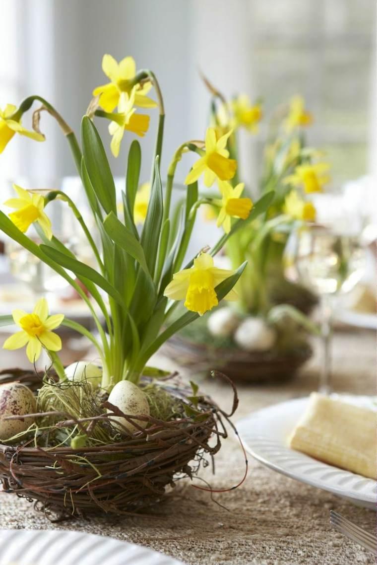 flores de primavera decorar casa mesa cestos flores amarillas ideas