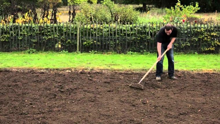 Tierra para cultivar consejos tiles para preparar el for Preparar el huerto en invierno