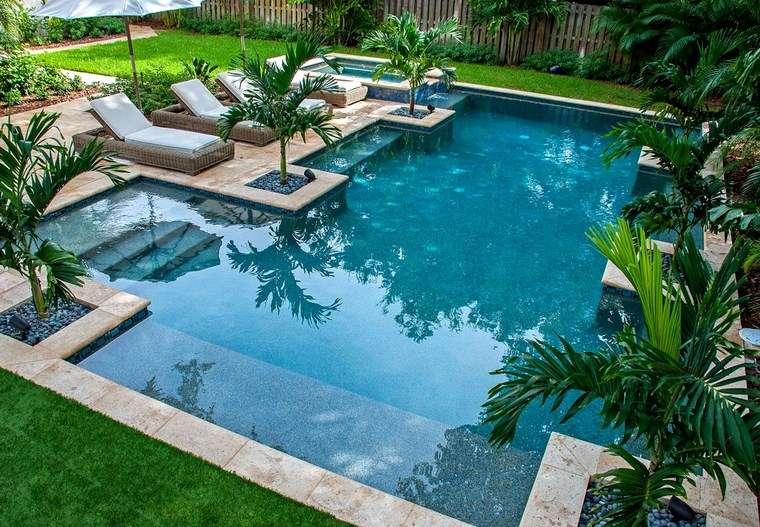 Piscinas con jardin dise os arquitect nicos for Piscinas de jardin