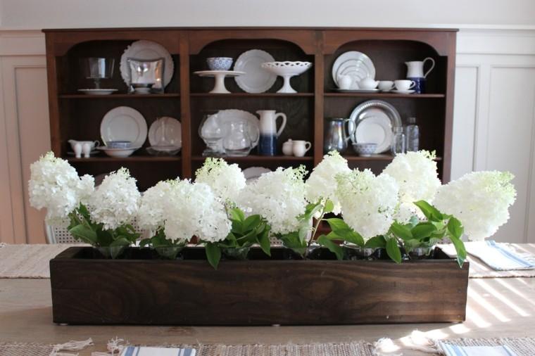 hosrtensias blancas maceta madera centro mesa primavera ideas