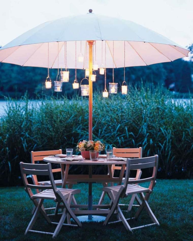 iluminar jardin moderno farolas colgando sombrilla ideas