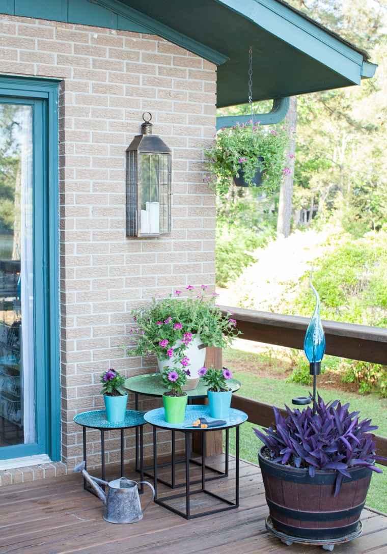 Iluminaci n farolas y linternas para el jard n moderno - Iluminacion de jardines modernos ...