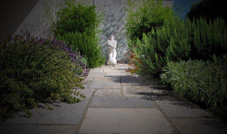 jardin diseno contemporaneo figura decorativa ideas
