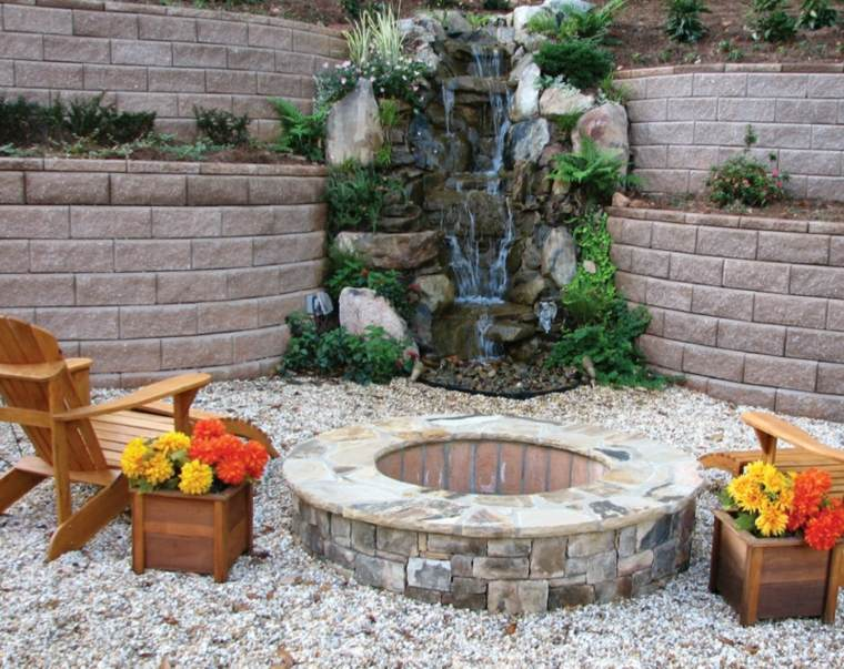 jardin moderno fuente cascada chimenea