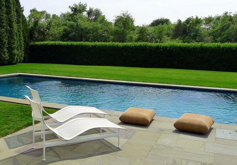 jardin secreto protegido miradas indeseadas piscina tumbonas ideas