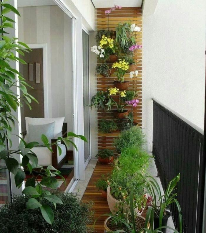 jardin vertical plantas flores macetas esferas