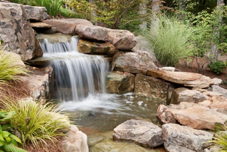 jardines cascadas frescas llamativas plantas