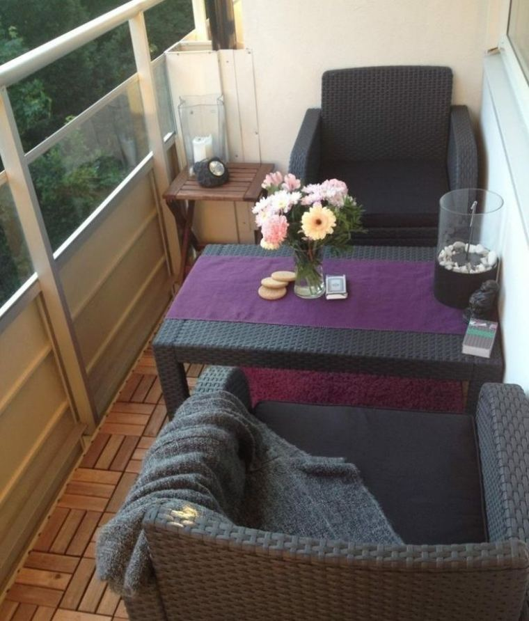 Ideas para terrazas y balcones peque os 24 im genes for Muebles para balcon exterior pequeno