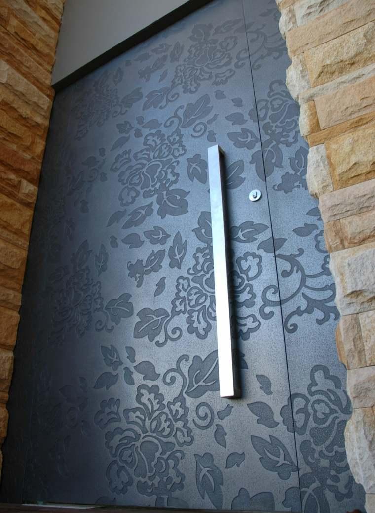 original puerta grabados flores