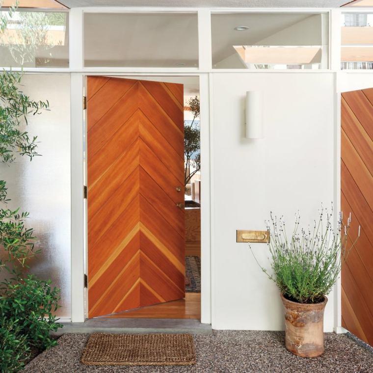 original puerta entrada madera natural