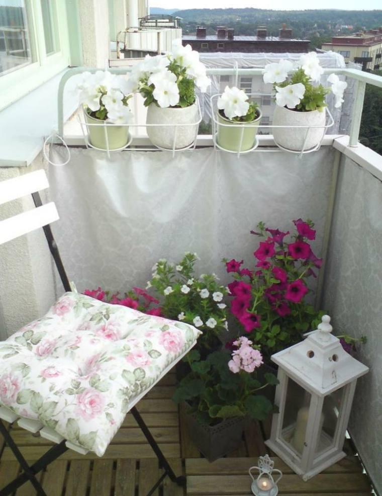 original terraza decorada flores blancas