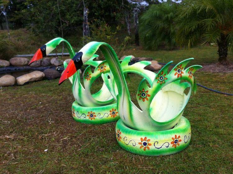 originales cisnes decorativos jardin