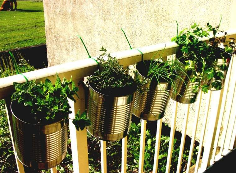 originales ideas colocar latas balcon