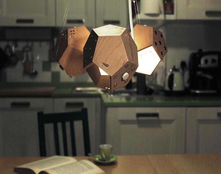 lámparas d12 colgadas del techo