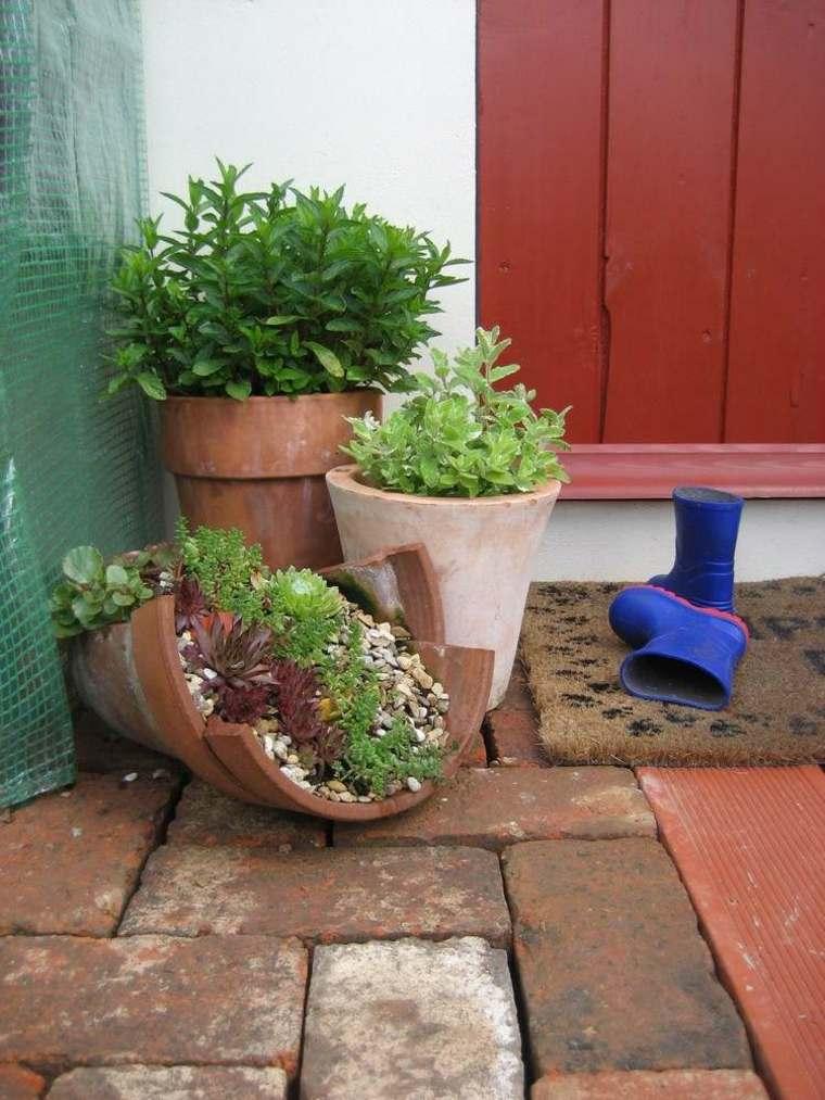 Adornos para jardin 24 ideas frescas para esta temporada - Macetas originales para plantas ...