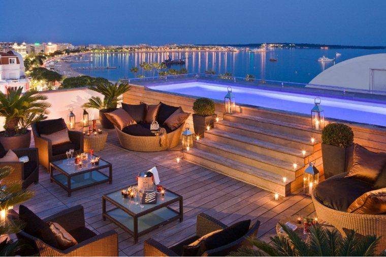 terraza amplia farola iluminando noche ideas