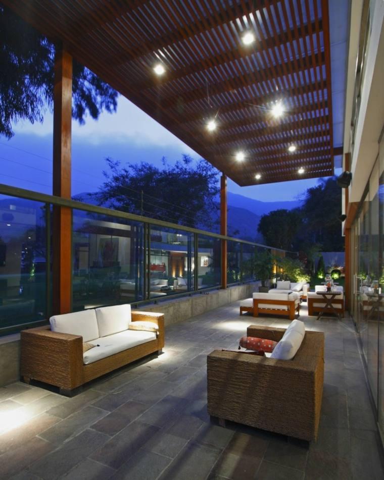 Terrazas decoradas con luces muy atractivas - Terrazas con pergolas ...
