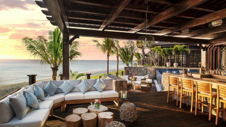 terrazas decoradas iluminadas pergola espacio amplio ideas