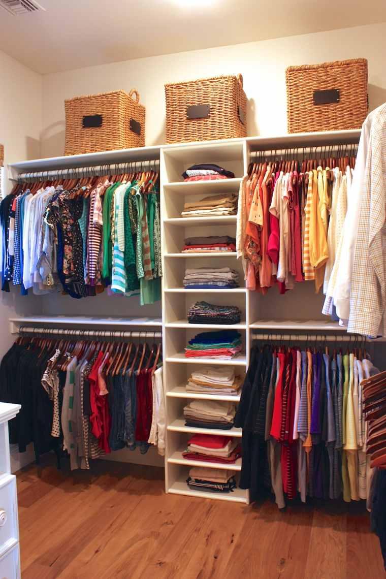 armario ordenado cajas mimbre