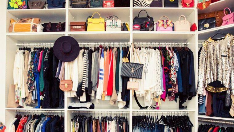 armario grande mucha ropa