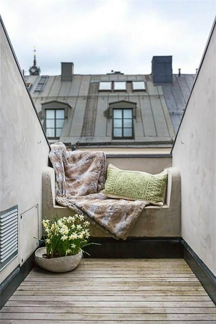 balcon pequeño banco cemento integrado