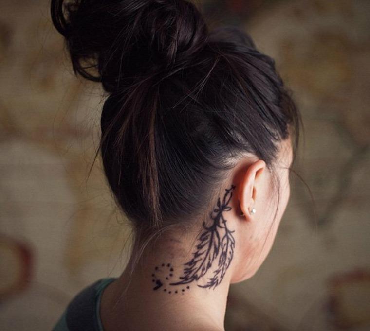 bonita foto tatuaje cuello