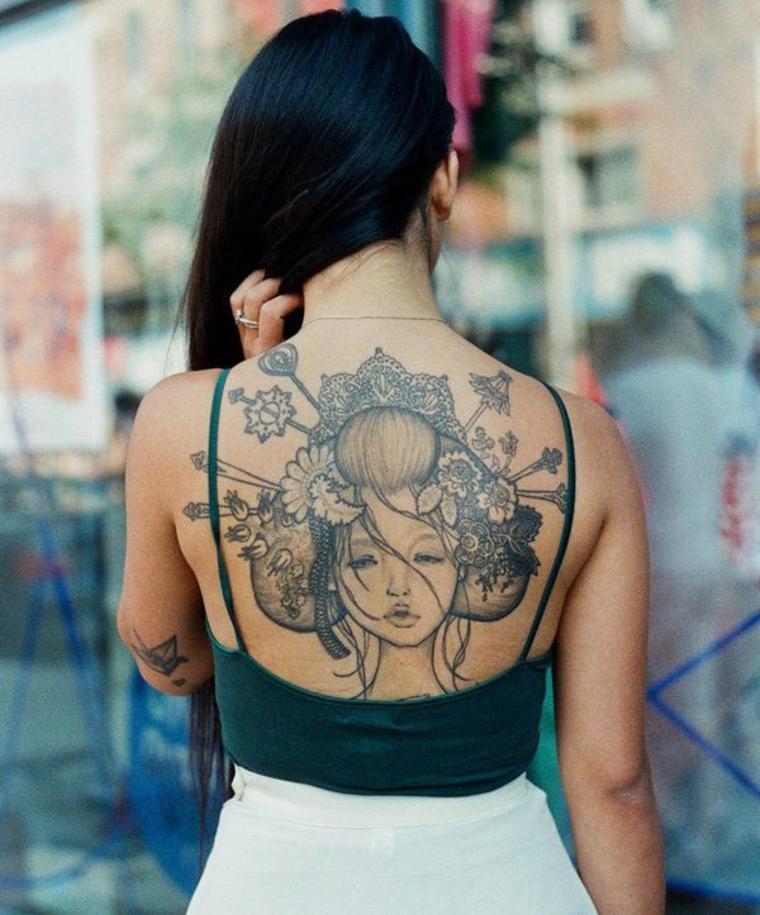 bonito tatuaje chica asiatica