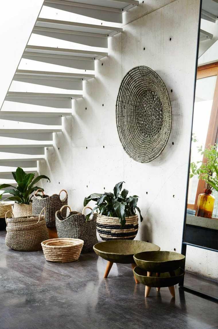 cestos de mimbre opciones insertarlas diseno habitacion escaleras ideas