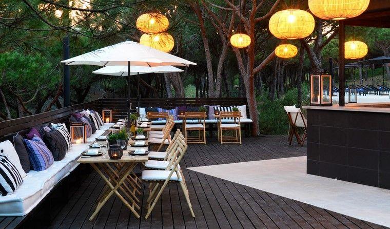como decorar terraza espacios amplios farolas ideas