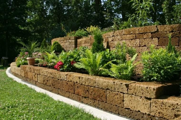 como organizar gradas pendientes jardin