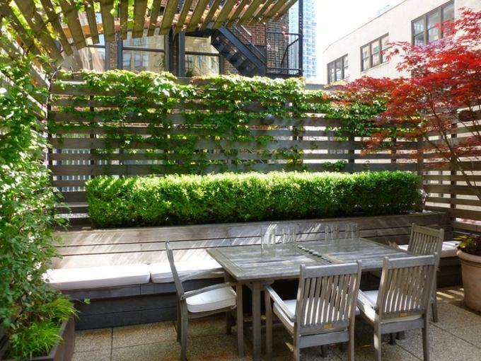 decoracion terrazas pequeñas plantas suelo coloress