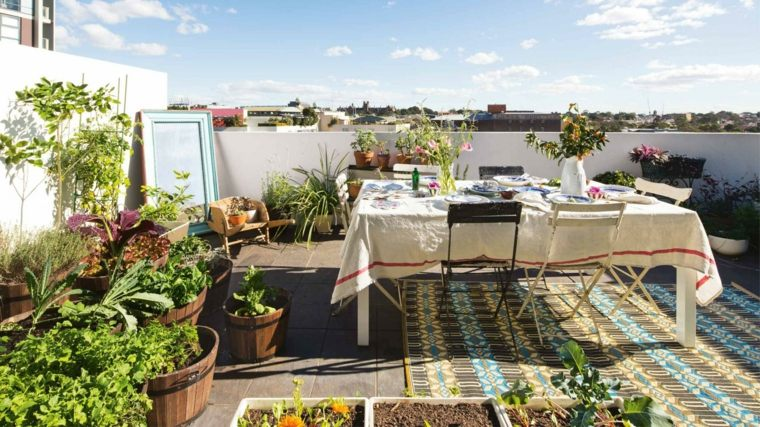 diseno jardin urbano terraza atico plantas macetas ideas