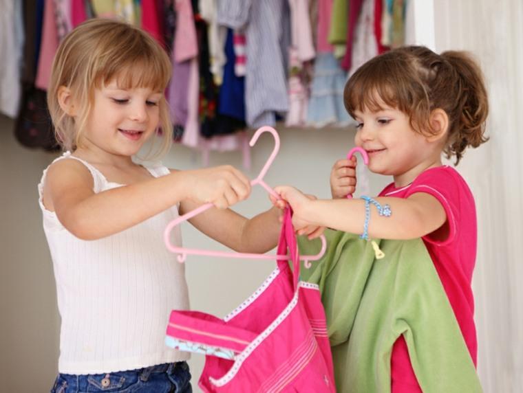 enseñar los más pequeños ordenar armarios niños