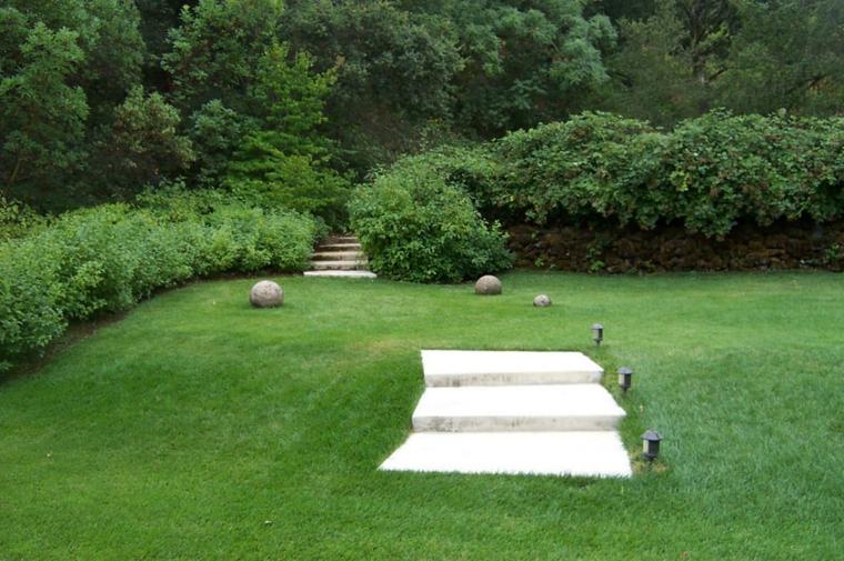 escaleras jardin enterradas parcela cesped