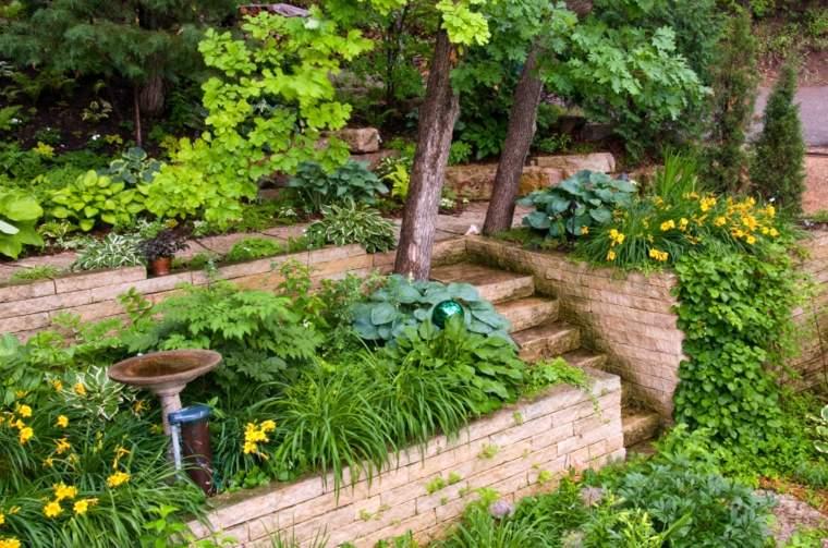 escaleras jardin varias terrazas