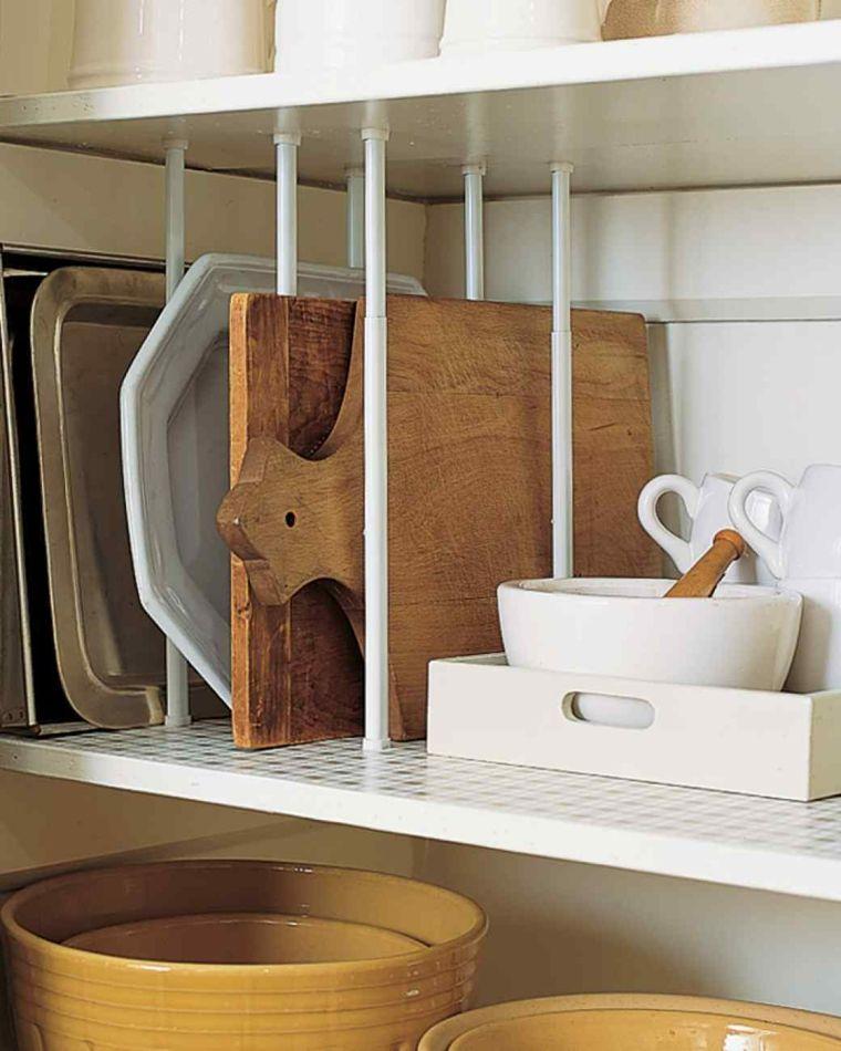 estantes especiales platos utensilios cubiertos