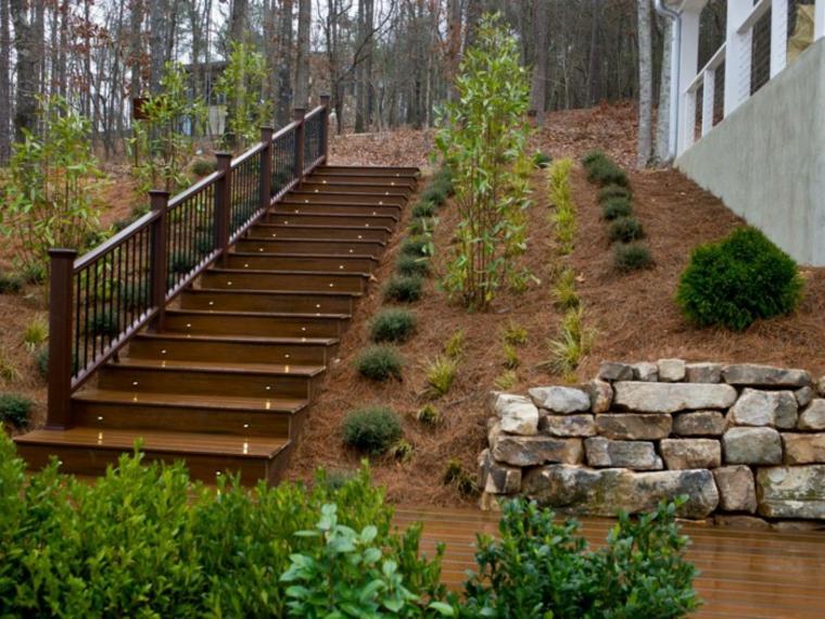 Escaleras exteriores dise os ideales para patios y for Escalera de jardin de madera