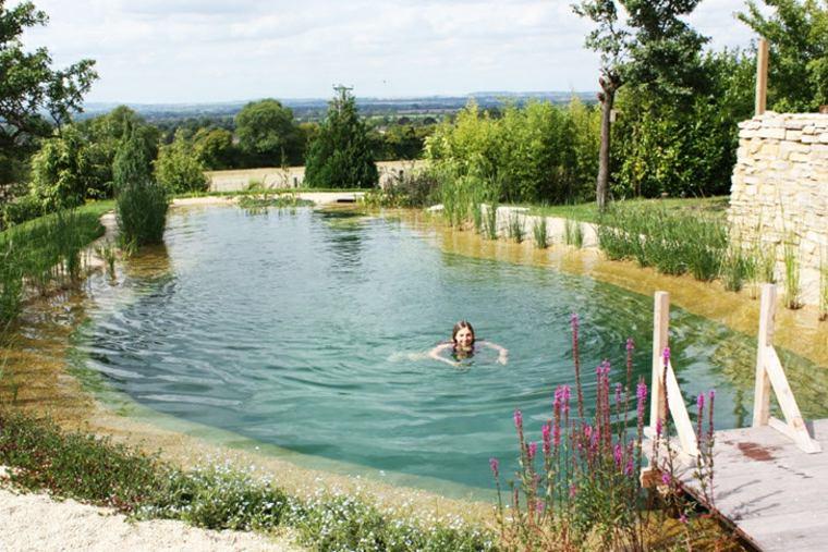 estupenda piscina natural pato