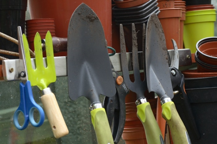 herramientas de jardineria macetas efectos color