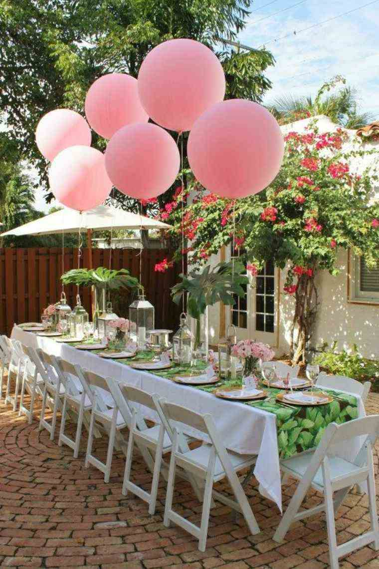 ideas para cumpleanos decoracion mesa globos color rosa grandes