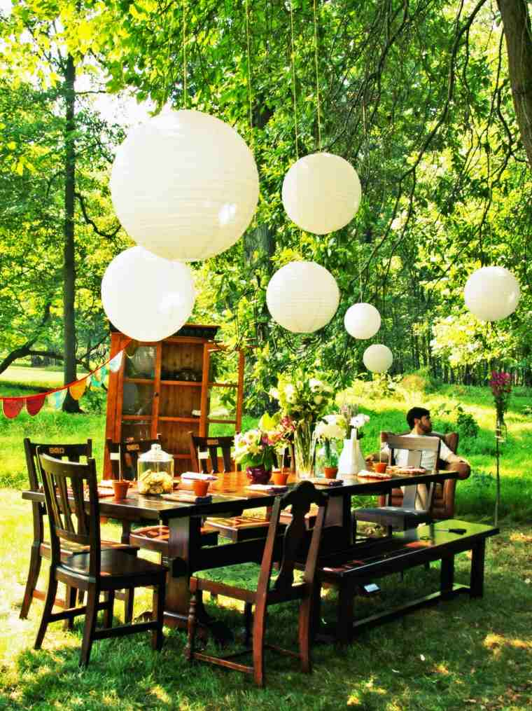 ideas para cumpleanos jardin aire libre lamparas papel ideas