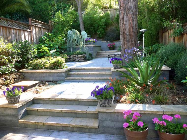 jardin suelo pavimentado gradas