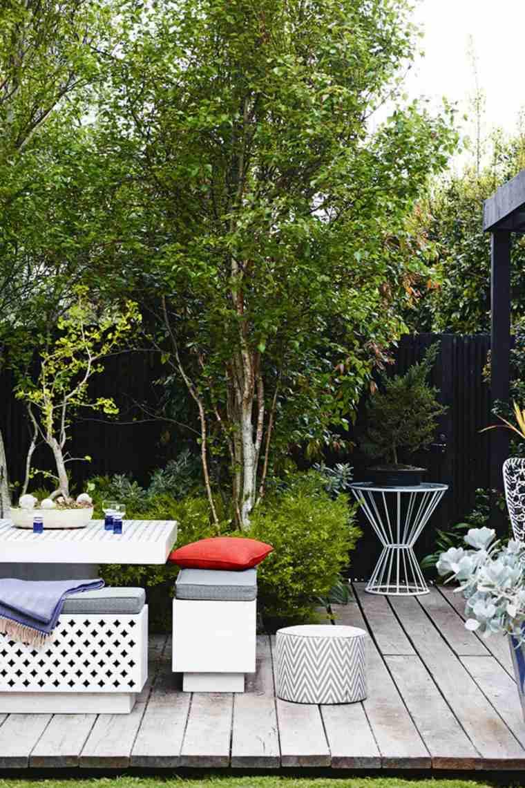 jardineria diseno de jardin urbano arboles taburetes jardin ideas