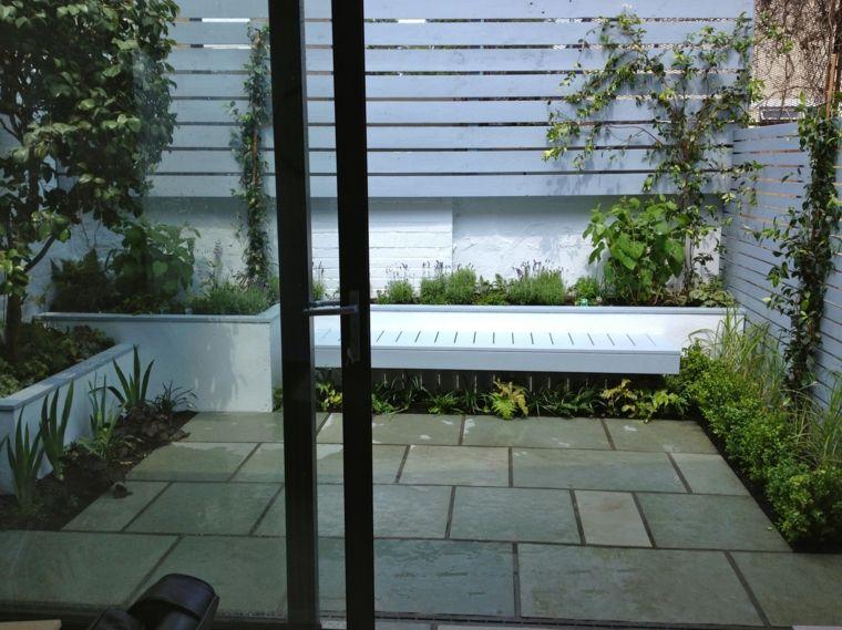 jardineria diseno de jardin urbano banco madera blanco ideas