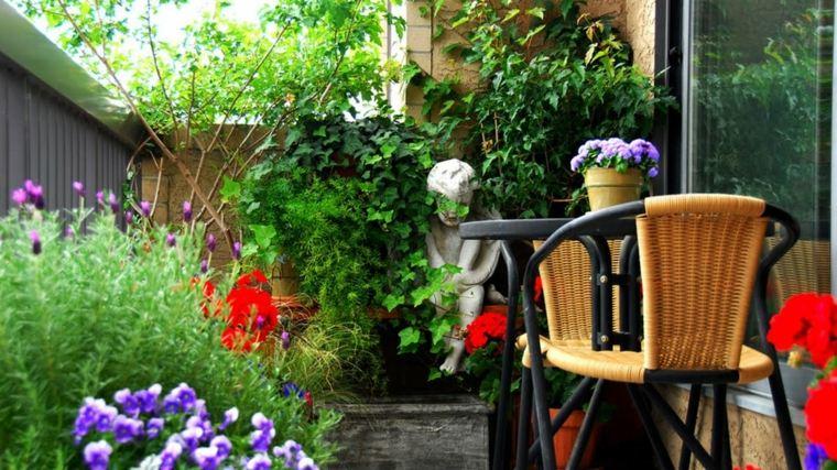 jardineria diseno jardin urbano estrecho flores ideas