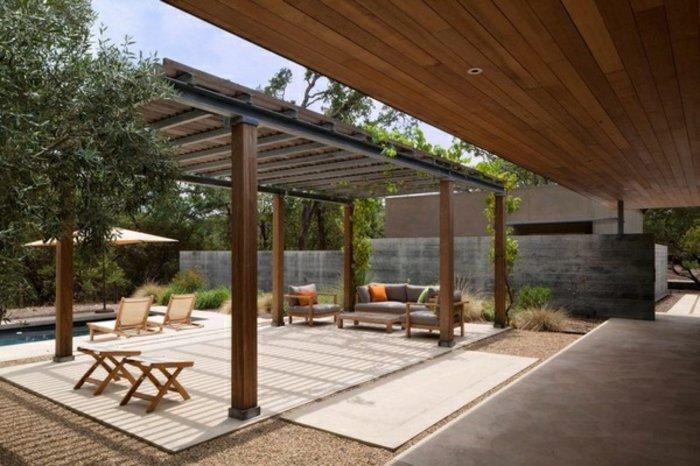 jardines amplios sillones fuentes grava madera